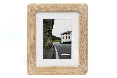 מסגרת מעץ אלון לתמונה