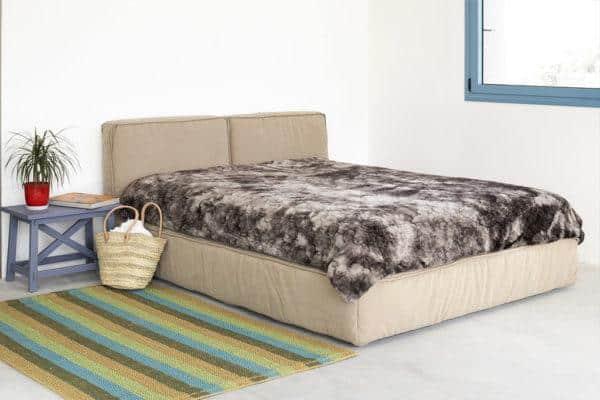 מיטה זוגית עם ארגז מצעים