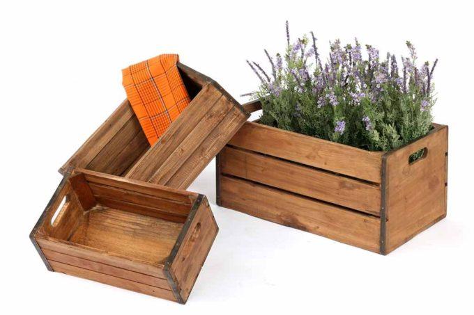 ארגזים מעץ בסגנון ישן לפירות וירקות
