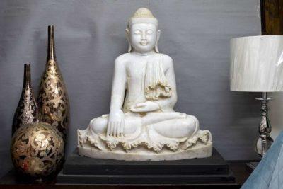 בודהה לבית למכירה