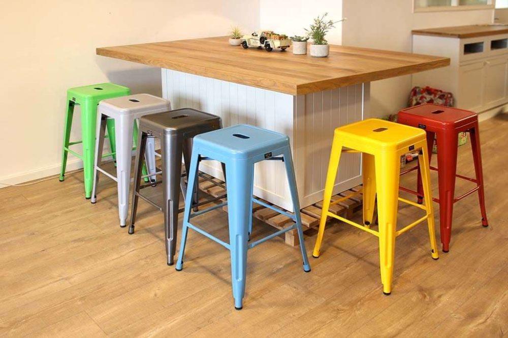 כסא בר מתכת צהוב למטבח