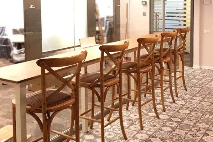 כסאות בר משענת איקס