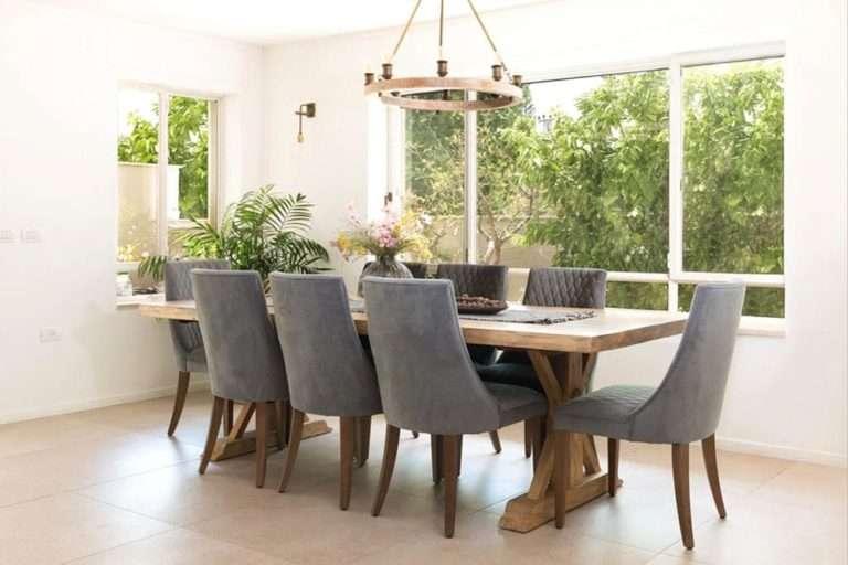 שולחן אבירים מעץ טבעי