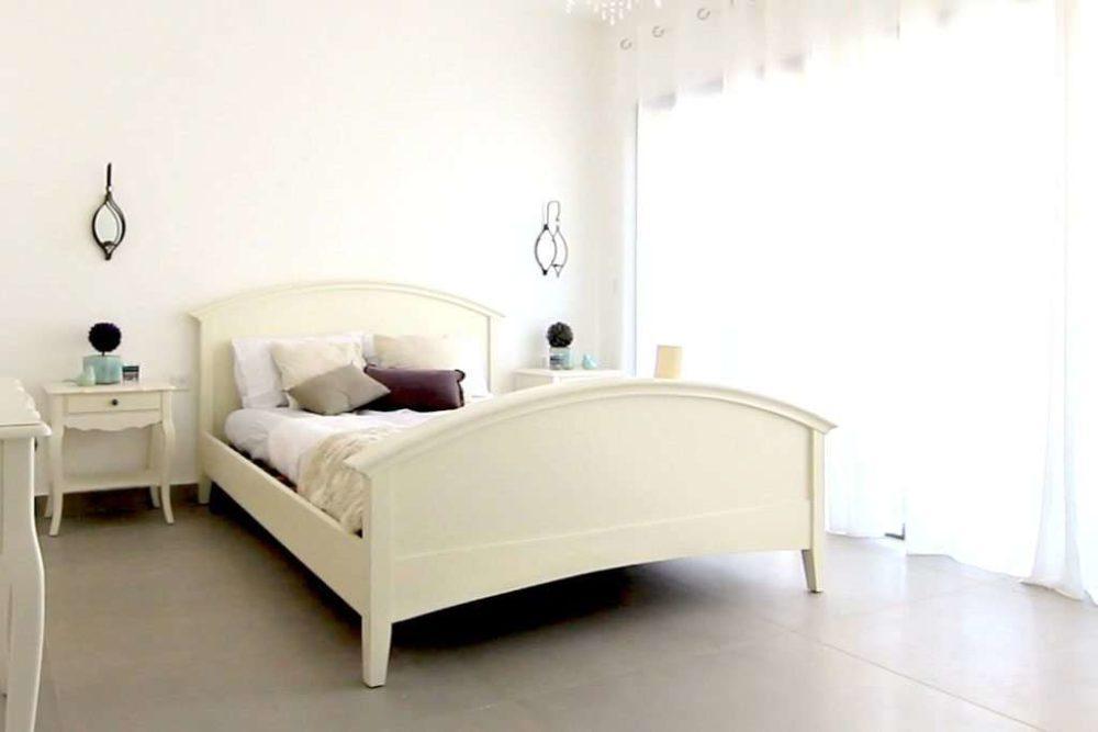 מיטה זוגית מעוצבת רומנטית