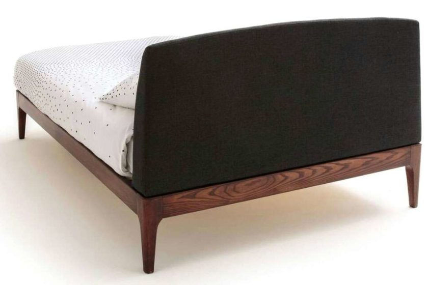מיטה זוגית ראש מרופד עץ מלא
