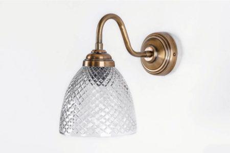 מנורה בסגנון עתיק