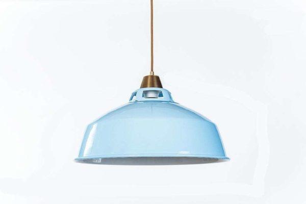 מנורות תליה צבעוניות ממתכת