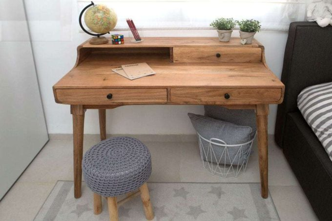 שולחן כתיבה מעץ