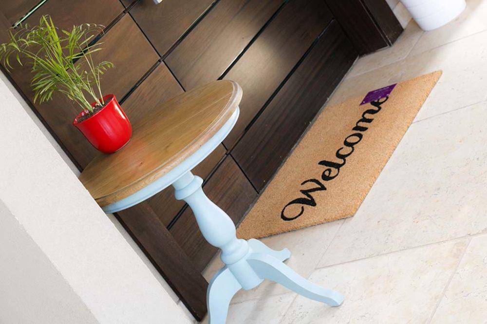 שולחן סלון עגול מעץ