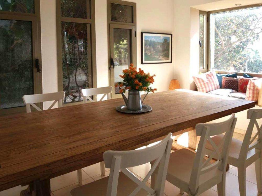 שולחן אבירים מהודר עץ מלא