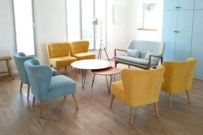 כורסאות בפינת ישיבה