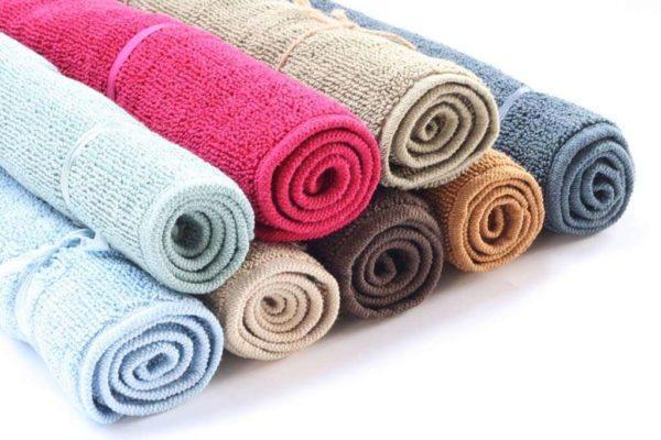 שטיחי אמבטיה בסגנון מגבת