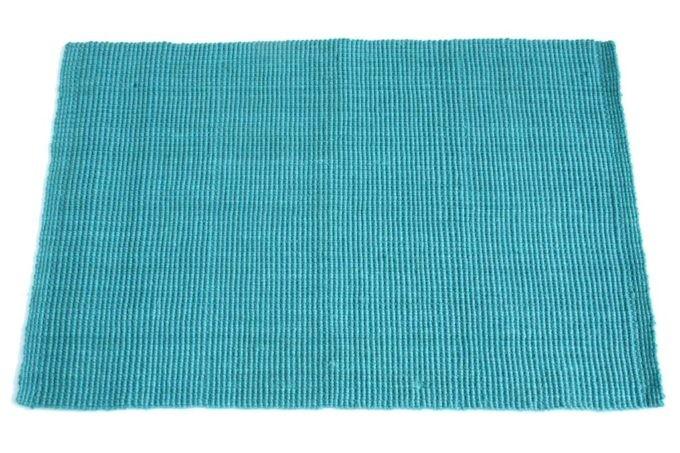שטיח בצבע תכלת חבלים