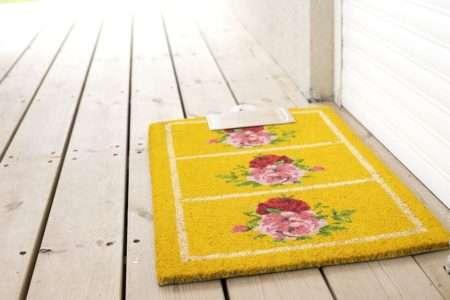 שטיח שושנים צהוב לכניסה