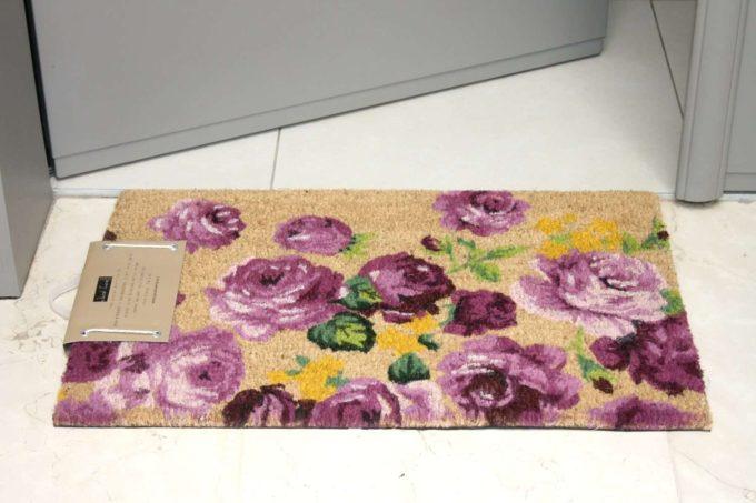 שטיח כניסה פרחוני סגול