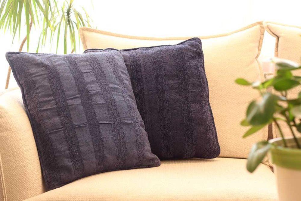 כריות נוי כחולות מבד לספה