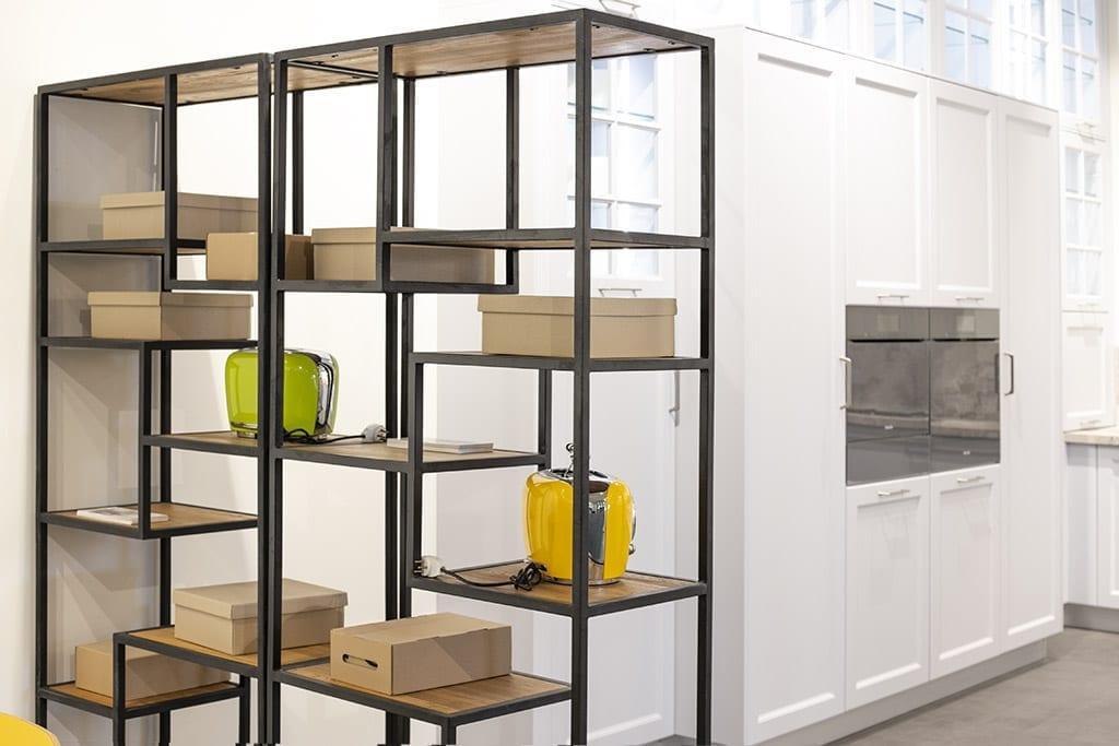 רהיטים מעץ לעיצוב חללי עבודה ומשרדים