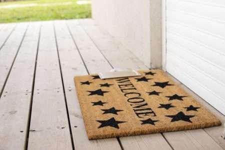 שטיח בעיצוב כוכבים לכניסה