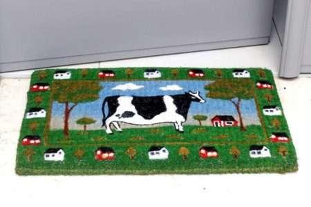 שטיח כניסה עבה תמונת פרה