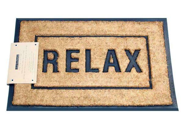 שטיח סף עם כיתוב