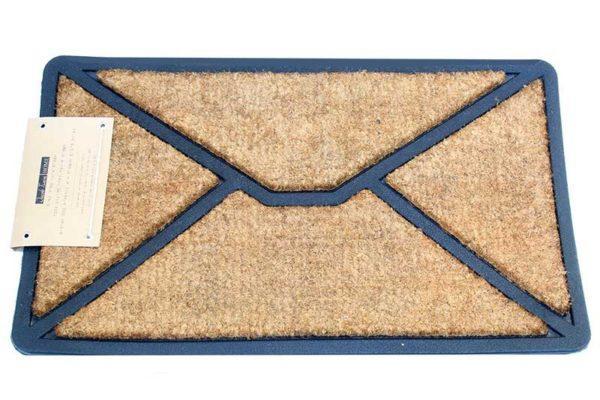 שטיח סף בעיצוב מעטפה