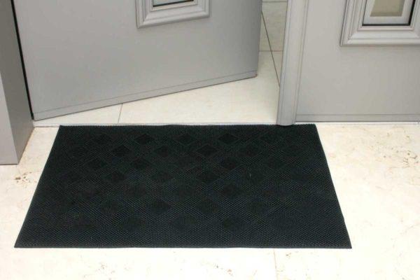 שטיח גומי לכניסה לבית