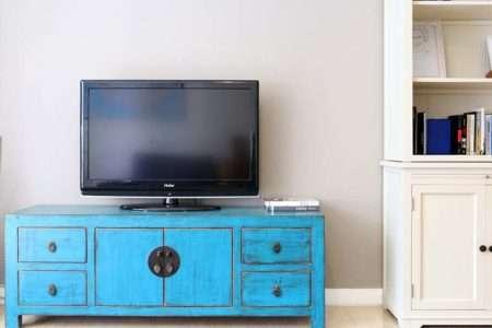 שידת טלוויזיה כפרית כחולה