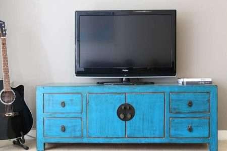 שידת טלוויזיה כפרית מעץ