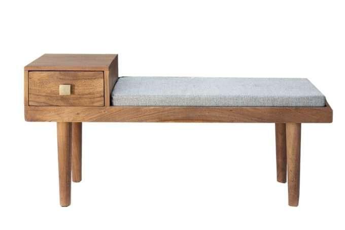 ספסל עץ מרופד
