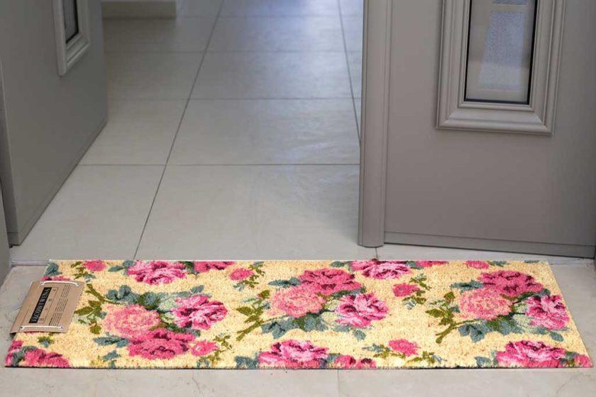 שטיח ארוך וורדים לכניסה