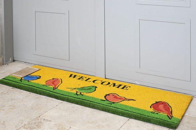 שטיח כניסה ארוך לבית