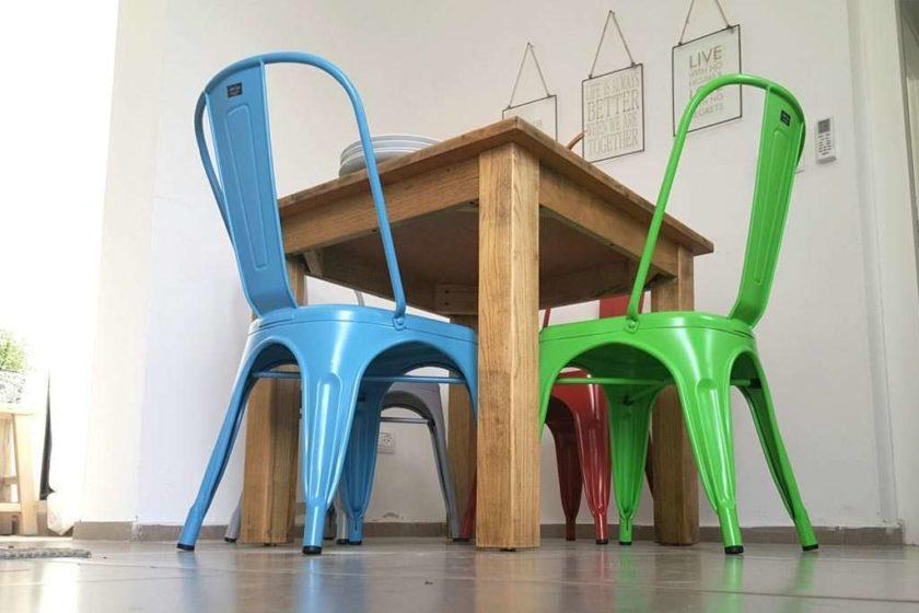 כסא מתכת כחול לפינת אוכל