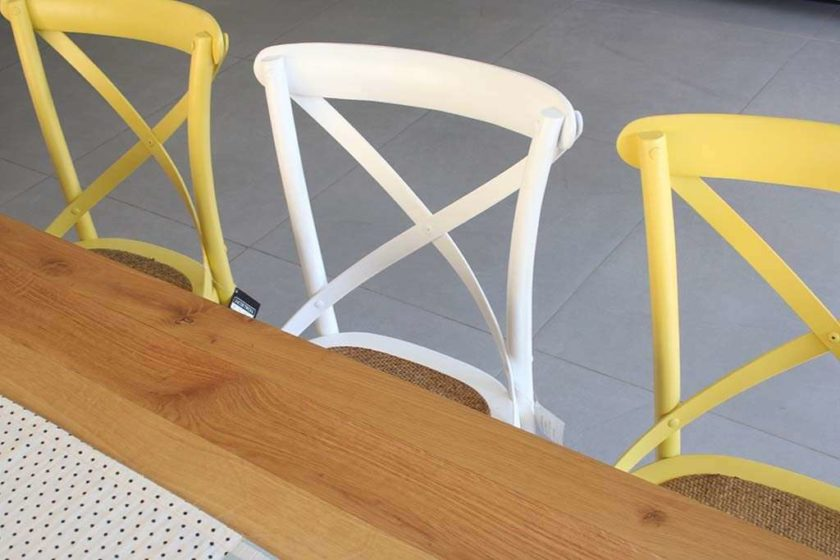 כסא צהוב חרדל מעץ מלא