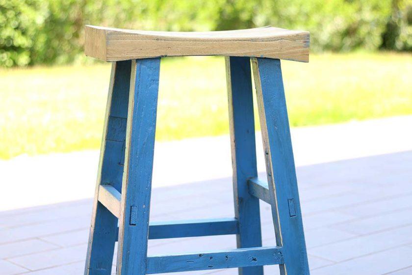 כיסא בר עץ גושני