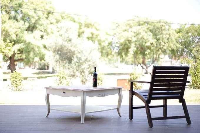 כורסא מעץ מלא לגן