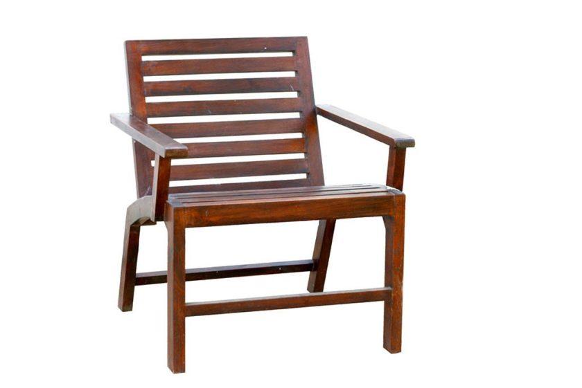 כורסא מעץ מלא לחוץ הבית