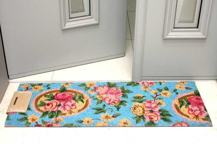שטיח ארוך רומנטי לסף דלת