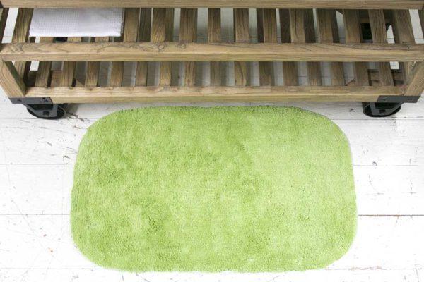 שטיח אמבט גוון ירקרק