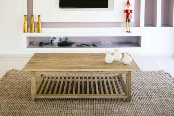 שולחן מעץ גושני לסלון