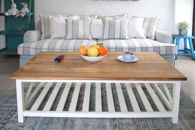 שולחן סלון מעץ ושמנת מדף