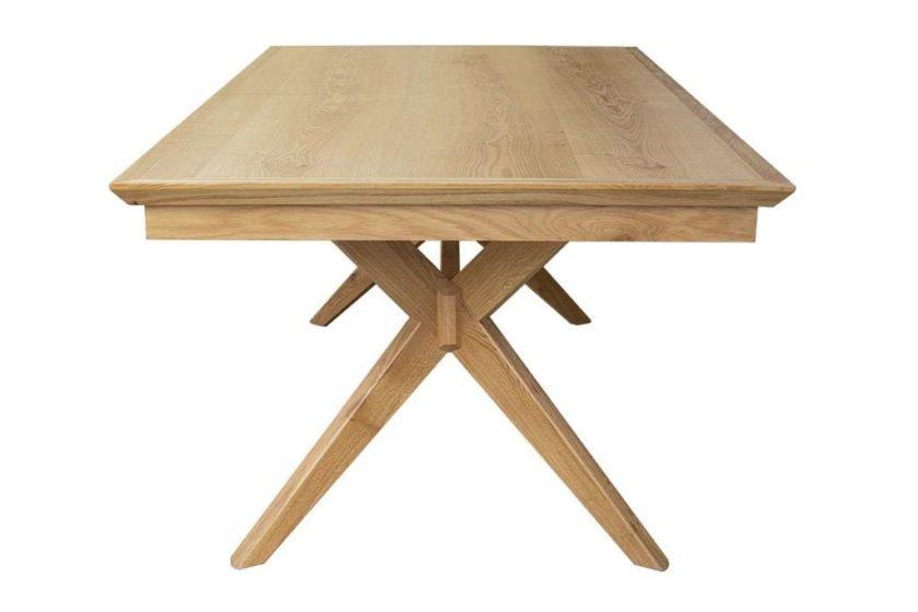 שולחן אוכל מעוצב מעץ