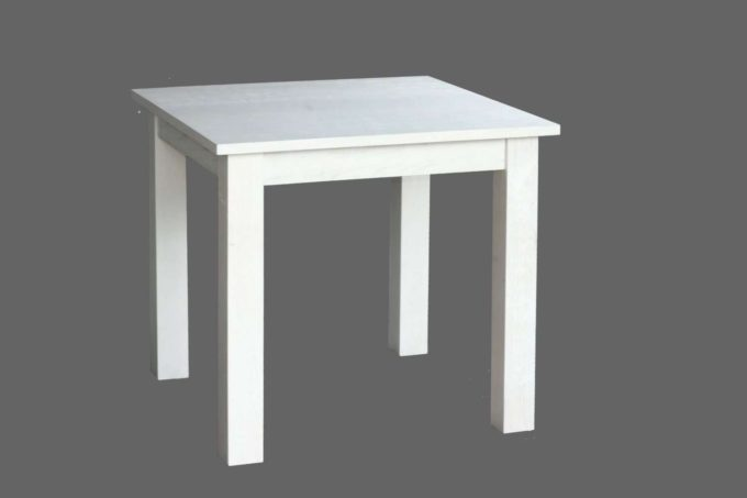 שולחן אוכל מרובע בצבע לבן