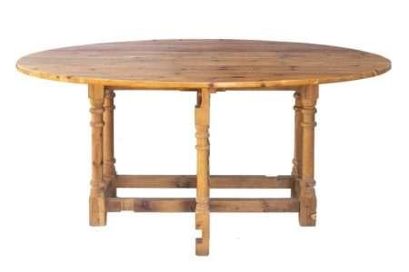שולחן אוכל אליפטי מעץ