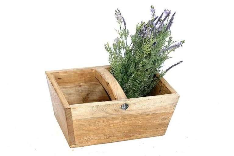 קופסה גדולה מעץ עם ידית