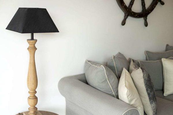 מנורת אווירה מעץ אלון מלא