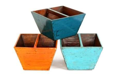 סל עיתונים מעץ