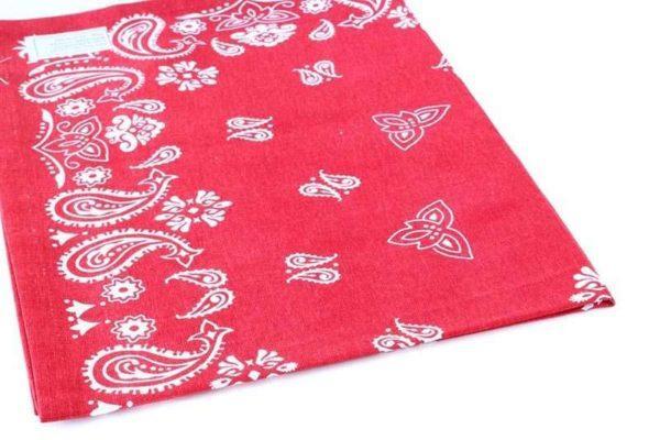 מגבת בנדנה אדומה