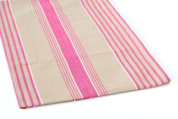 מגבת פסים מעוצבת למטבח