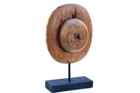 גלגל ישן מעץ בסגנון כפרי