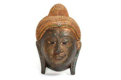 בודהה מעץ לתלייה